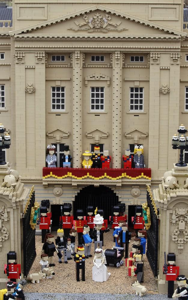 Svatba Williama a Kate v lego podobě