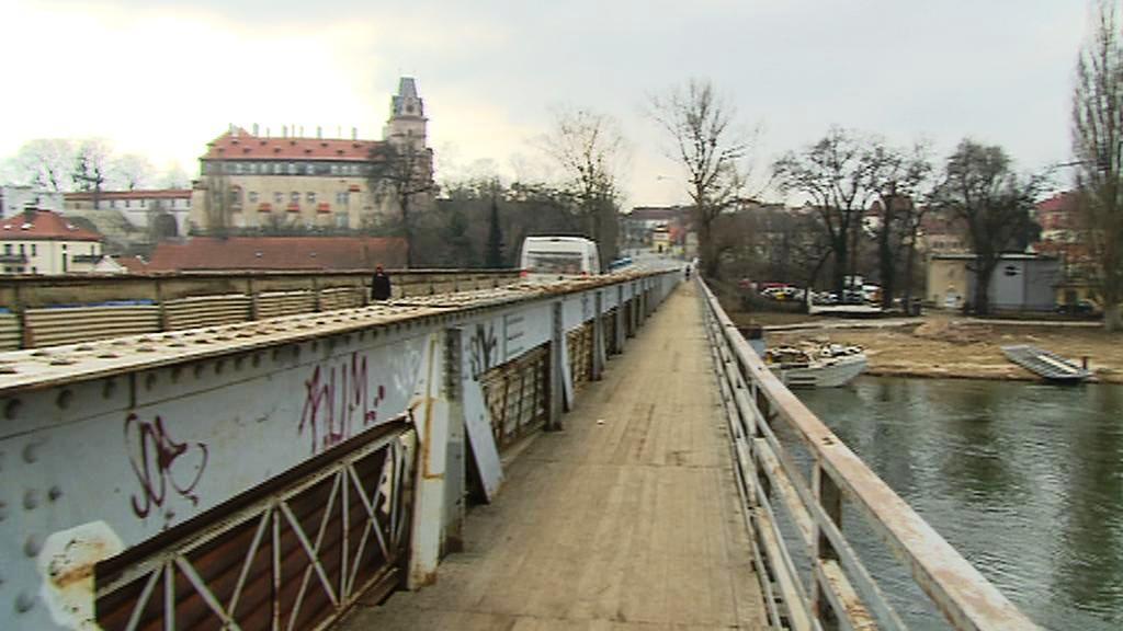 Most v Brandýse nad Labem
