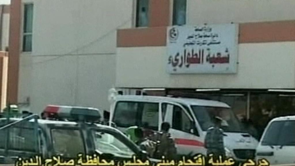 Iráčtí záchranáři zasahují v Tikrítu