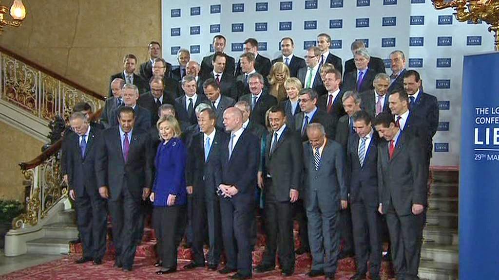 Účastníci londýnské konference o Libyii