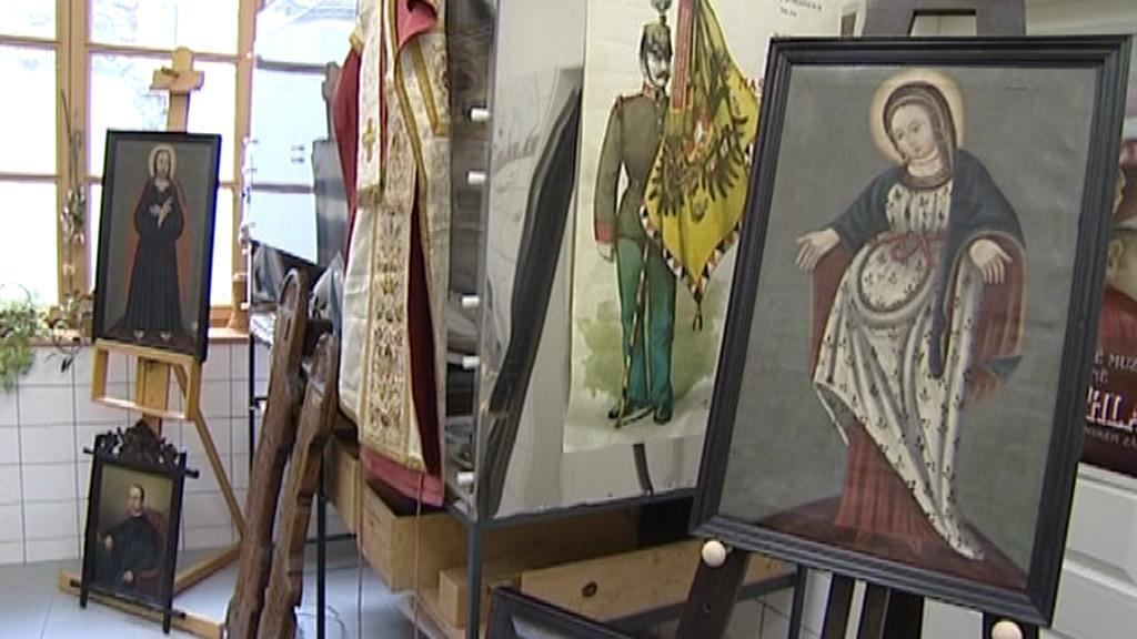 Artefakty pro výstavu o Janu Nepomuku Neumannovi