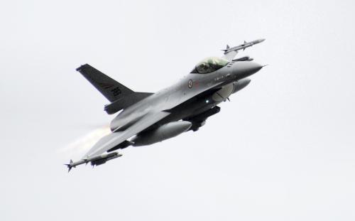Do akce v Libyi se zapojily i norské stíhačky F-16