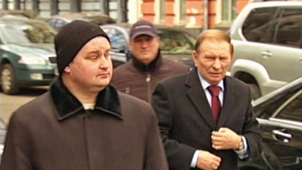 Leonid Kučma po příjezdu k soudu