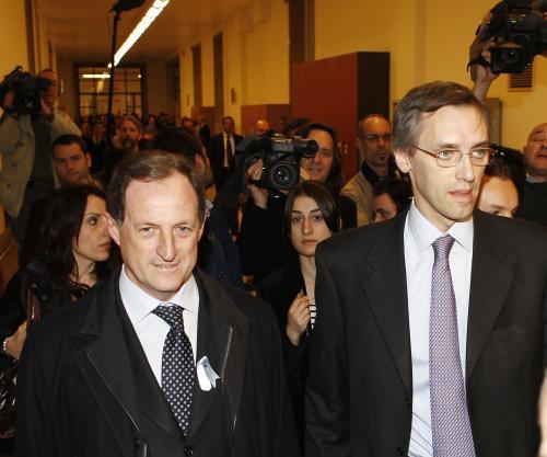 Nicolo\' Ghedini a Mario Mantovani