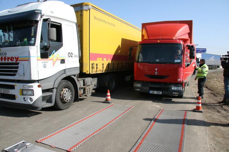 Policisté kontrolovali kamiony