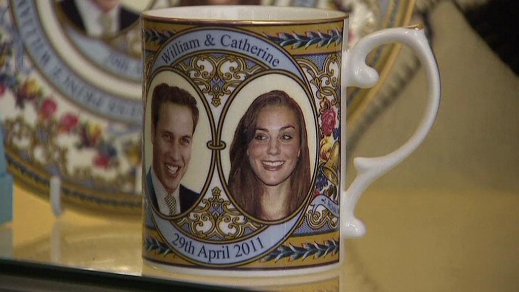 Upomínkový hrnek ke svatbě Williama a Kate