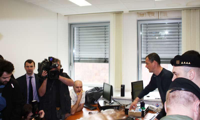 Vojenská policie v kanceláři Karla Rožánka