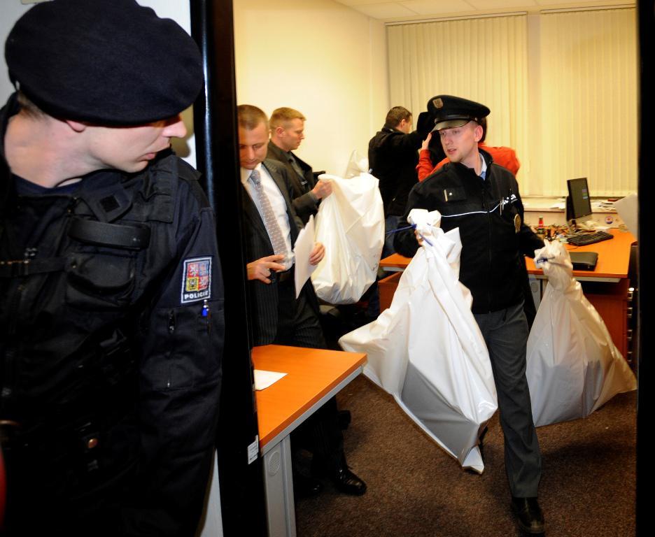 Vojenská policie odnáší z ČT zabavené věci