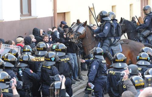 Policisté v Novém Bydžově