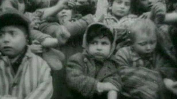 Židé v koncentračním táboře