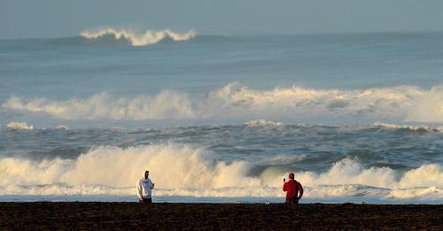 Vlny u pobřeží amerického San Franciska