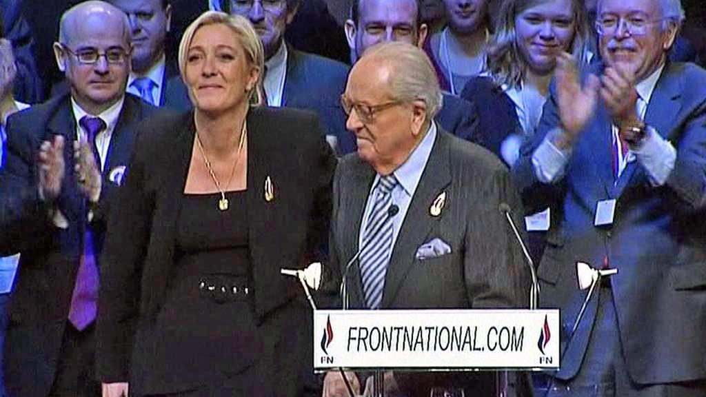 Marine Le Penová se svým otcem Jean-Marie Le Penem