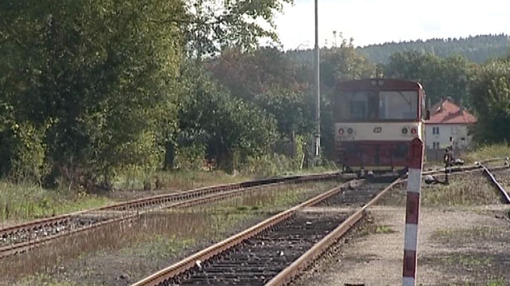 Motorový vlak na nádraží
