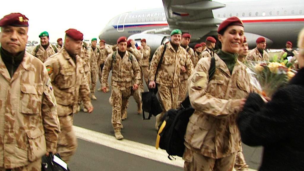Vojáci se vrátili do Česka