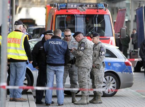 Na letišti ve Frankfurtu se střílelo