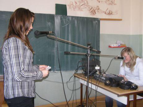 Studenti Obchodní akademie Trutnov si vyzkoušeli práci novinářů