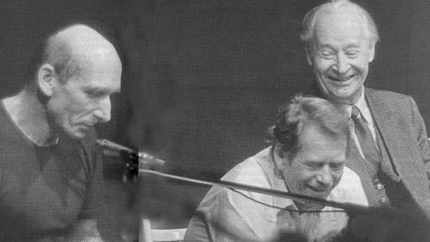 J. Černý, V. Havel a A. Dubček