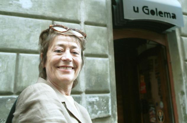 Annie Girardotová