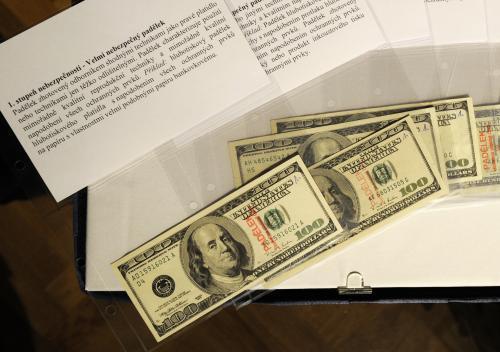 Padělky dolaru