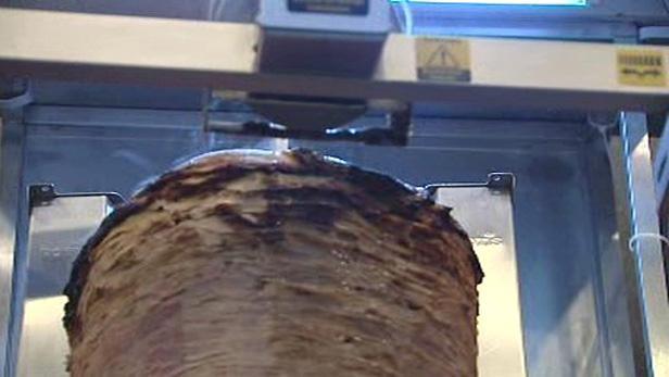 Mechanické krájení kebabu