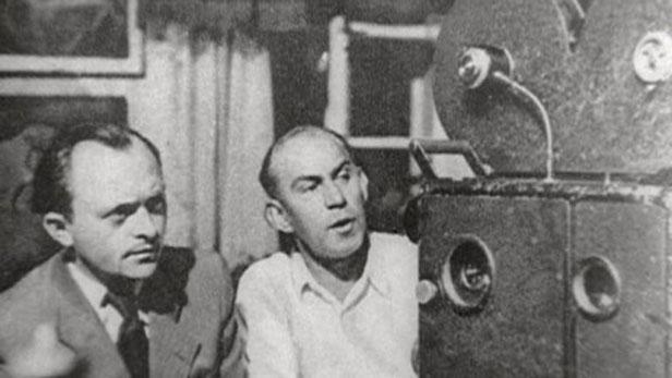 Režisér Vávra (vlevo) během natáčení filmu