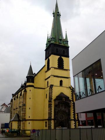 Ústí nad Labem / kostel Nanebevzetí Panny Marie a centrum Forum