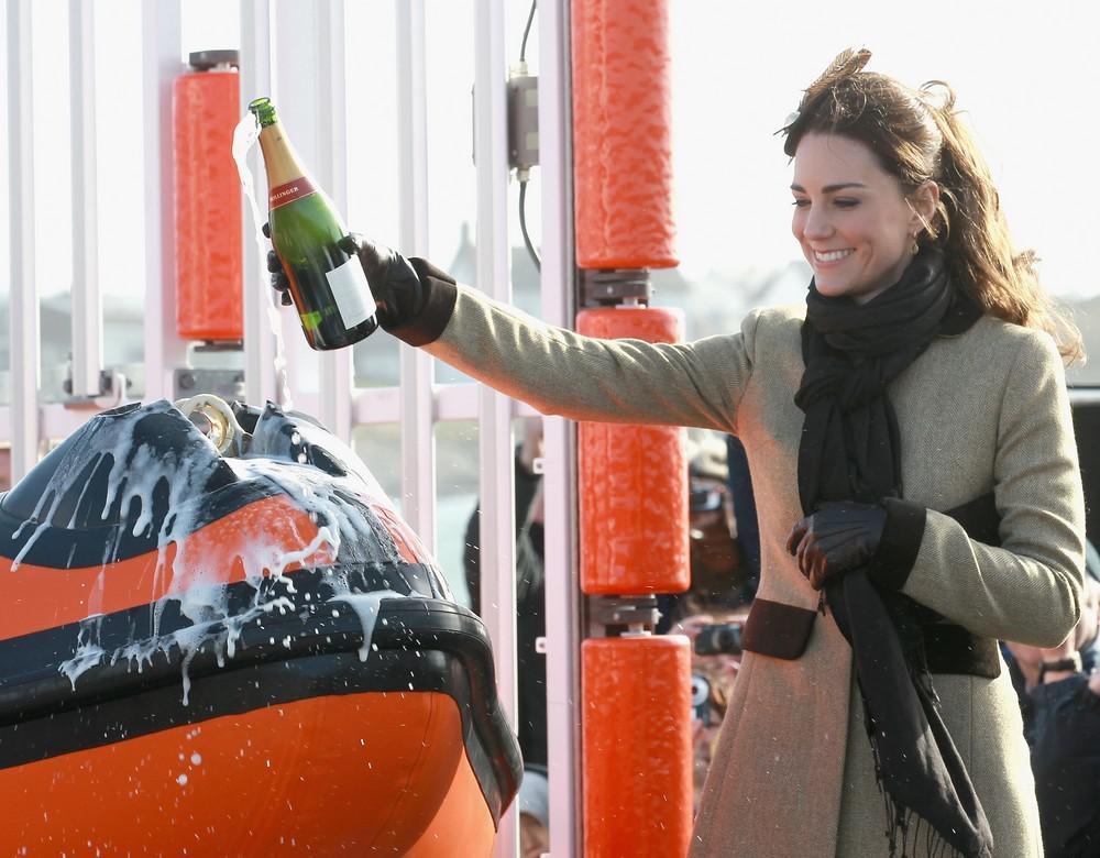 Kate Middletonová pokřtila loď pro velšské záchranáře