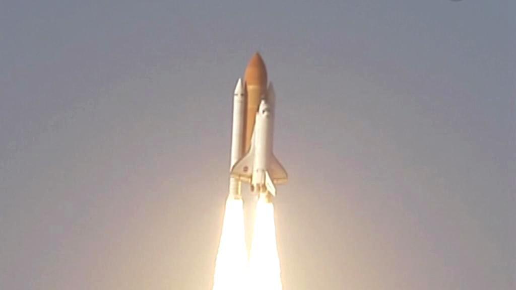 Raketoplán Discovery startuje ke své poslední cestě do vesmíru