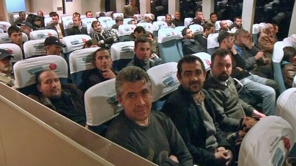 Z Libye prchají cizinci
