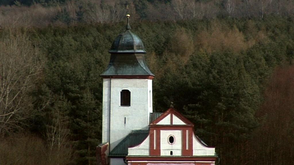 Kostel sv. Víta na břehu nádrže Želivka
