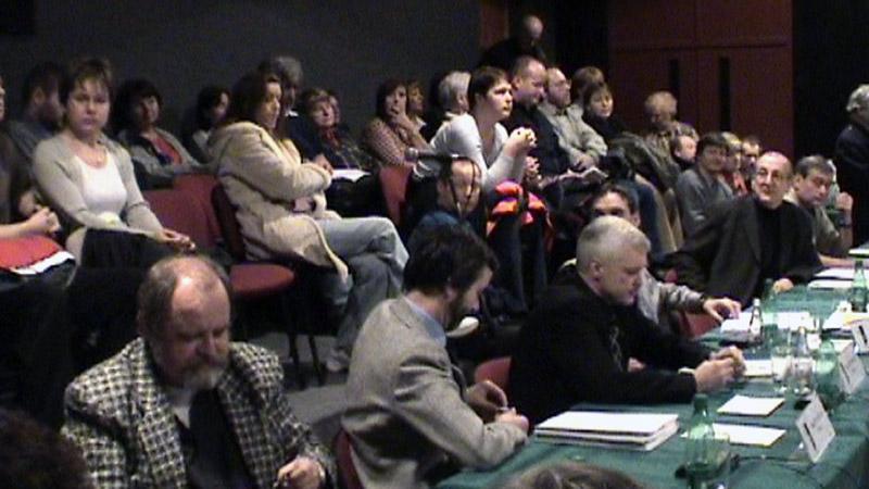 Nespokojení občané na jednání s radnicí
