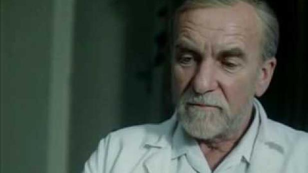 Miroslav Macháček ve filmu Skalpel, prosím