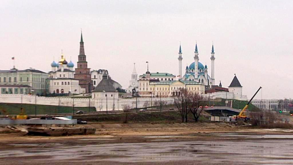 Pravoslavný kostel a mešita v Kazani