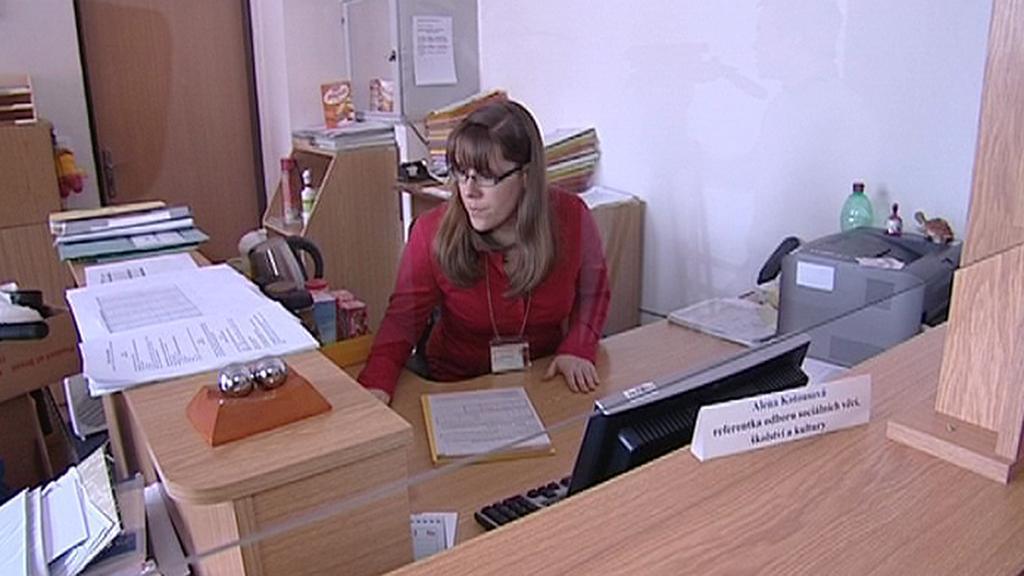 Zaměstnankyně úřadu práce