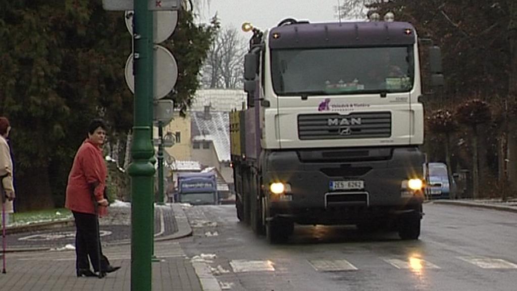 Kamion ve městě