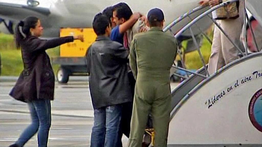 Vítání propuštěných kolumbijských rukojmích