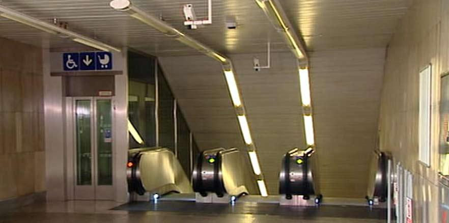 Výtah ve stanici metra