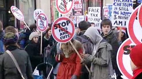 Protestní pochod britských studentů