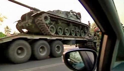 Ke kambodžské hranici míří thajské tanky