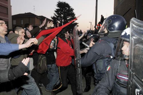 Demonstrace za odstoupení Berlusconiho