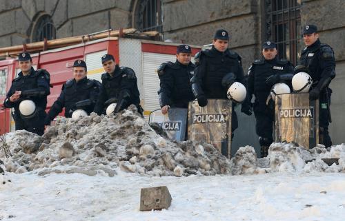 Srbští policisté v centru Bělehradu