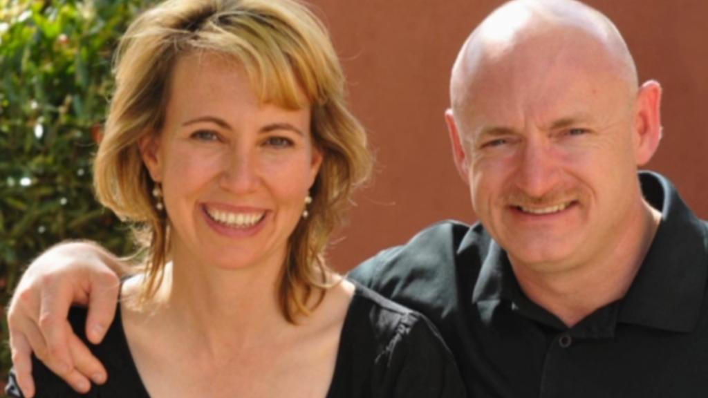 Gabrielle Giffordsová a Mark Kelly
