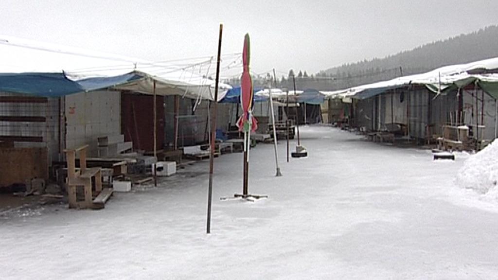 Stánky tržnice v Řásnici