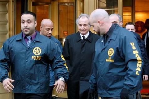 Zatčení Bernarda Madoffa (11. prosince 2008)