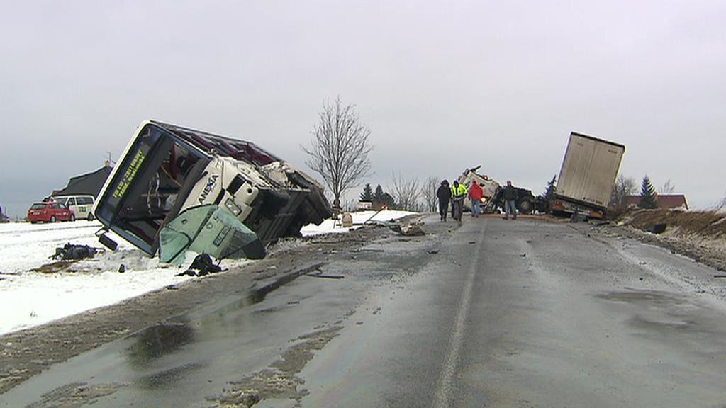 Následky nehody u Tuchlovic
