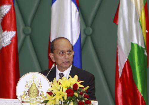 Thein Sein je po 22 letech prvním barmským prezidentem