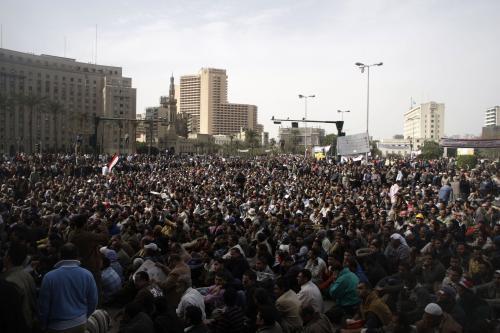 Demonstranti v centru Káhiry se připravují na \