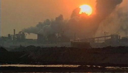 Tovární emise