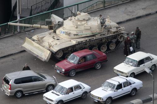Tanky v ulicích Káhiry