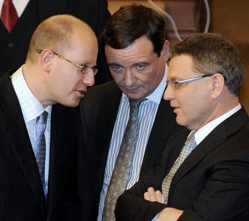 Poslanci ČSSD při schůzi sněmovny